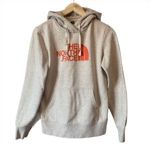 BNWOT The North Face logo hoodie
